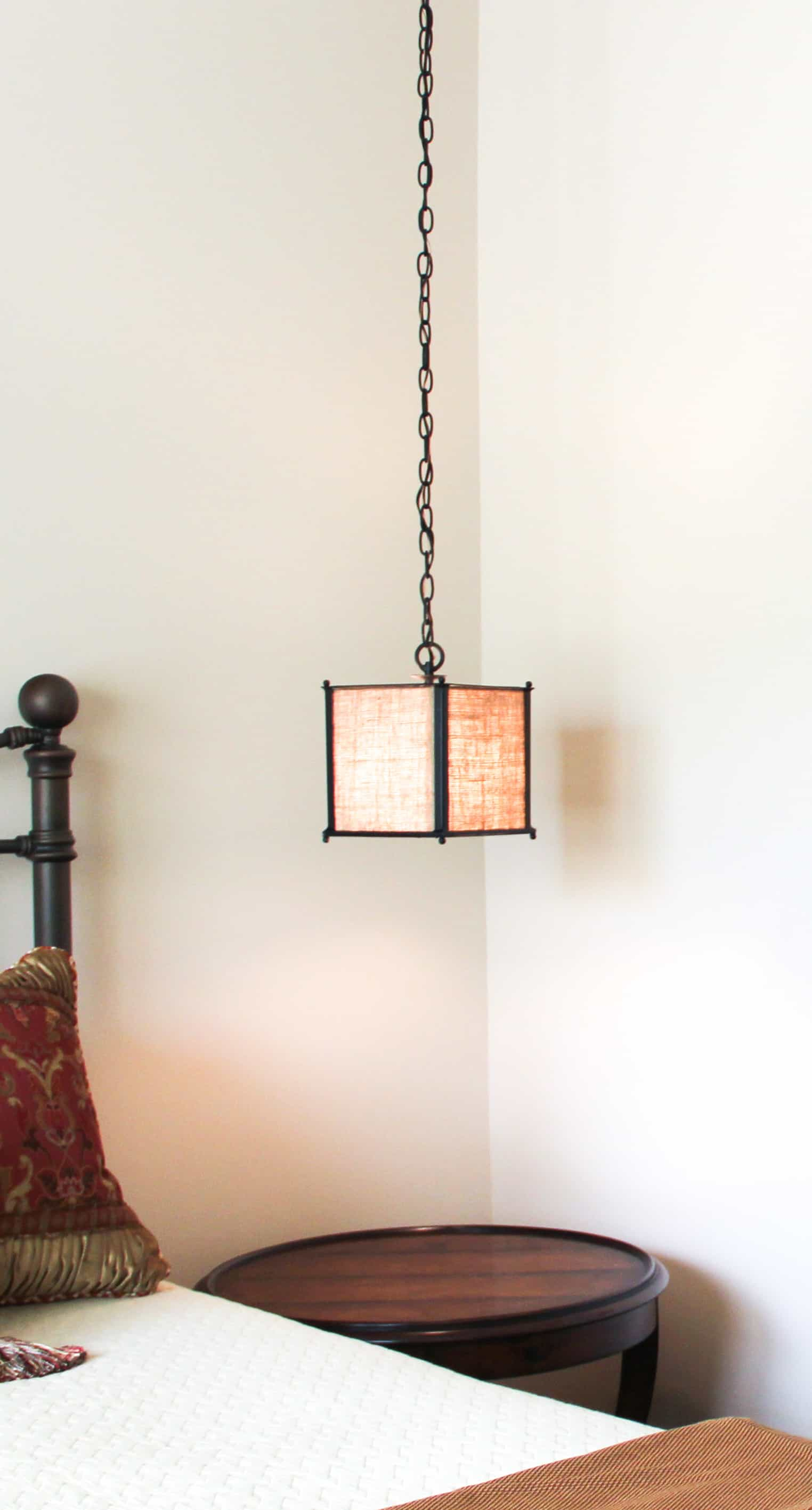 hanging light for bedside